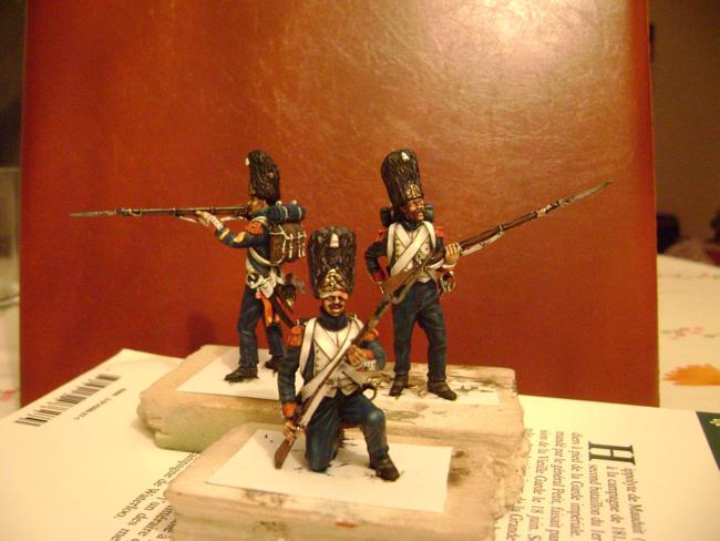 la vielle garde à waterloo - Page 2 Grenadier11